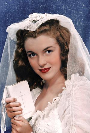 Фото №4 - Три свадьбы Мэрилин Монро: в чем выходила замуж главная блондинка Голливуда