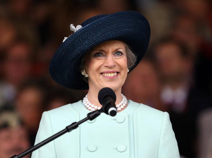 Фото №1 - Принцесса Дании рассказала о правильном королевском гардеробе (и намекнула на неудачный)