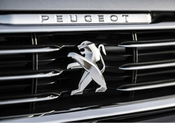 Фото №17 - Не простое украшение: 20 автомобильных эмблем со смыслом