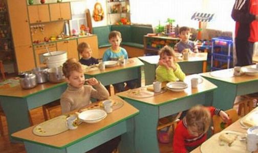 Фото №1 - В детских садах Петербурга варили компот из испорченных фруктов в грязной посуде
