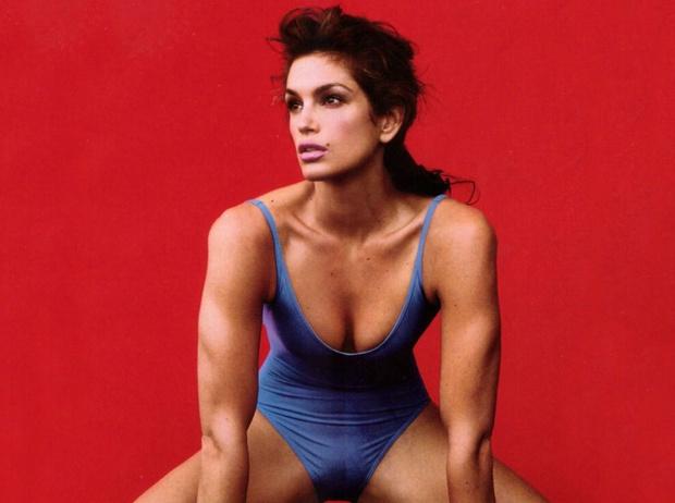 Фото №1 - Тренировка Синди Кроуфорд: 7 любимых упражнений супермодели (видео)