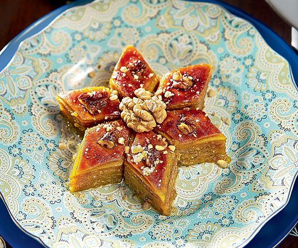 Фото №1 - Рецепт настоящей иранской пахлавы от шеф-повара