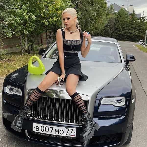 Юля Гаврилина купила автомобиль
