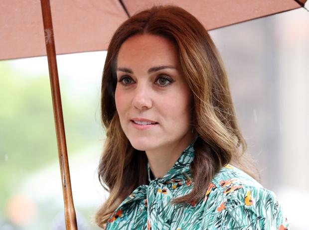 Фото №1 - Королевский токсикоз: что не так с беременной Кейт Миддлтон (и чем это опасно)