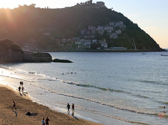Фото №3 - Бархатный сезон: 7 необычных пляжей мира