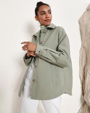 Фото №7 - Где купить точно такую же куртку-рубашку, как у Лили Коллинз, и еще 4 похожие альтернативы
