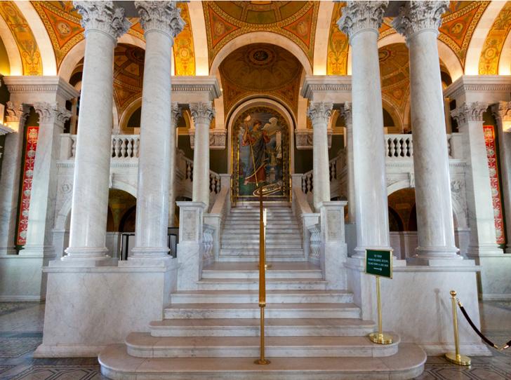Фото №2 - 5 самых красивых библиотек мира