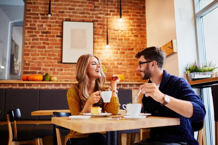 Фото №1 - Куда смотрит мужчина, когда женщина ему действительно нравится