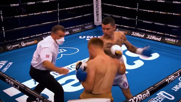 Фото №1 - Как звучат звуки ударов, когда боксерский бой проходит без зрителей (видео)