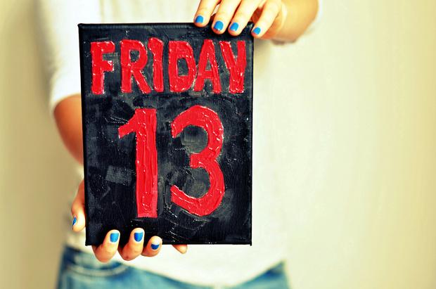 Фото №2 - Пятница, 13-е: почему нужно бояться этого дня и как избежать неудач