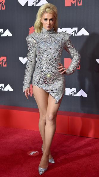 Фото №8 - Премия MTV VMA 2021: лучшие, худшие и самые яркие образы церемонии