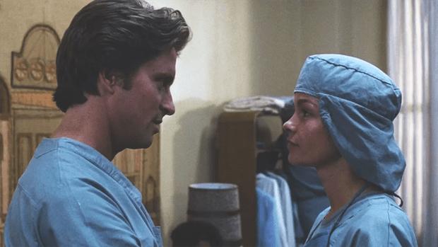 Фото №3 - 6 фильмов, после которых ты станешь бояться врачей