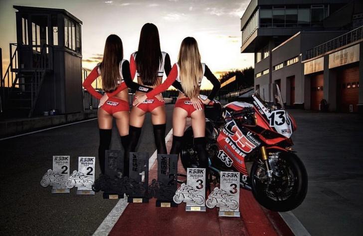 Фото №5 - Секс-символы гоночных треков