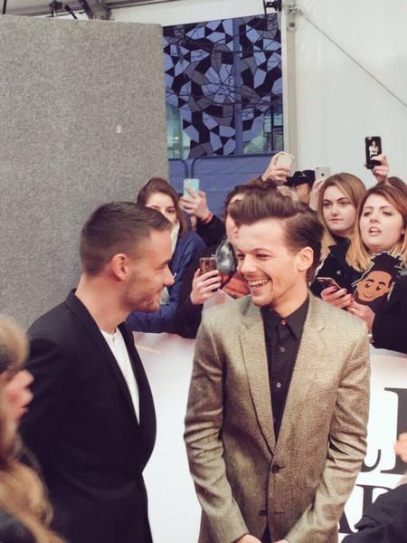 Фото №2 - Лучшие моменты Луи и Лиама на BRIT Awards 2016