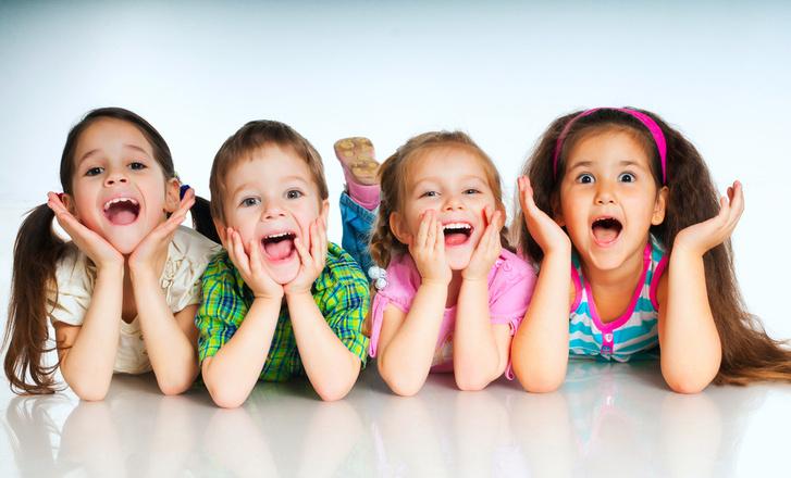 Фото №1 - Ученые доказали, что дружба начинается с улыбки