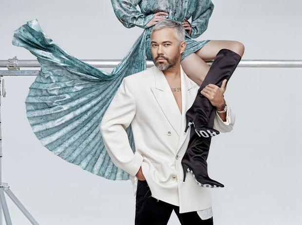 Фото №1 - Как носить обувь из коллекции Pazolini x Rogov: от ярких босоножек до атласных сапог