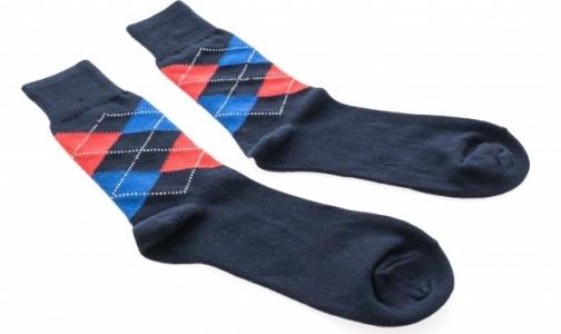 Фото №1 - В Петербурге наркозависимым к мужскому празднику вместе с иглами дадут носки