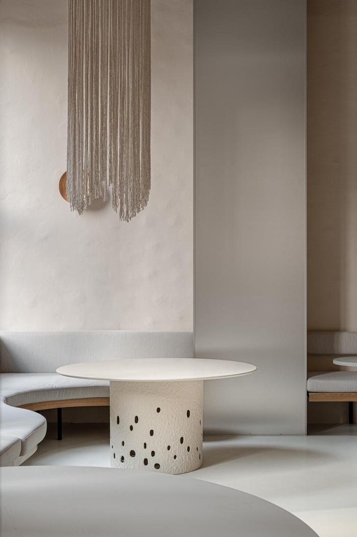 Фото №2 - Їстетика: минималистское кафе в Киеве от студии Yakusha Design
