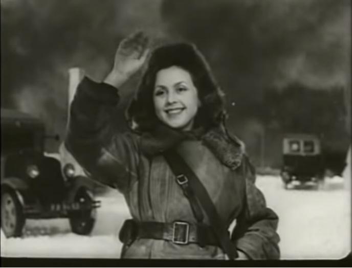 Фото №2 - «Я чайка»: все о Валентине Караваевой— актрисе, которая из-за шрама на лице не могла играть в кино, сбежала от мужа-миллионера и сошла с ума