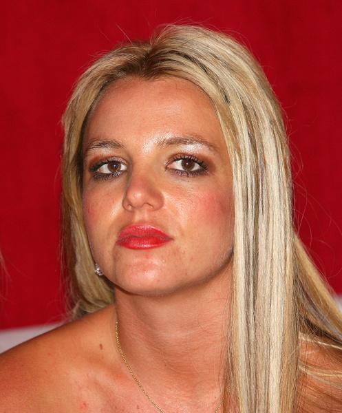 Фото №50 - Сама себе не хозяйка: как Бритни Спирс потеряла контроль над собой, деньгами, голосом и жизнью