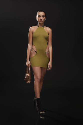 Фото №15 - Полный гид по самым модным платьям осени и зимы 2021/22