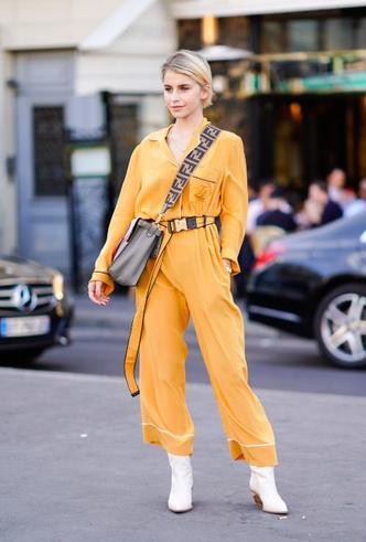 Фото №5 - Модная униформа: как носить пижамы вне дома (и даже в офис)