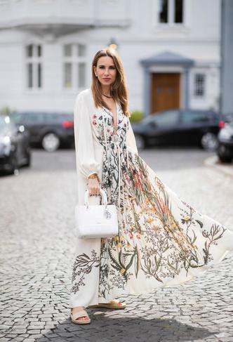 Фото №25 - Для лета и не только: самые модные платья с цветочным принтом