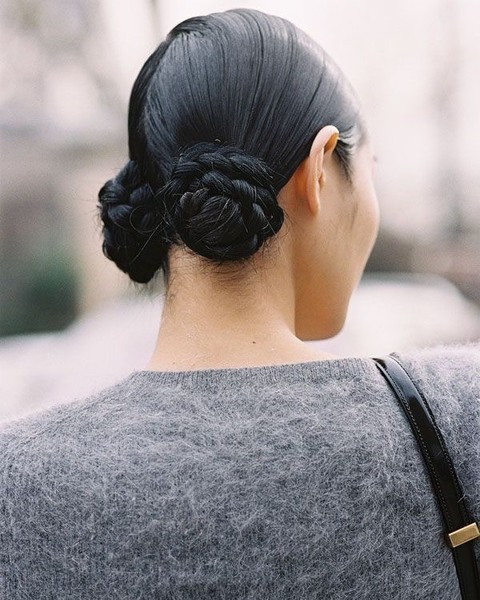 Фото №2 - Заплетай: 6 стильных причесок с косами на осень 2020