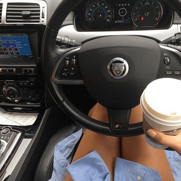 Фото №24 - Звездный Instagram: Селфи в машине