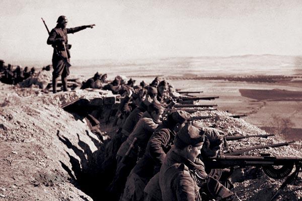 Фото №1 - Испания: католичество против коммунизма