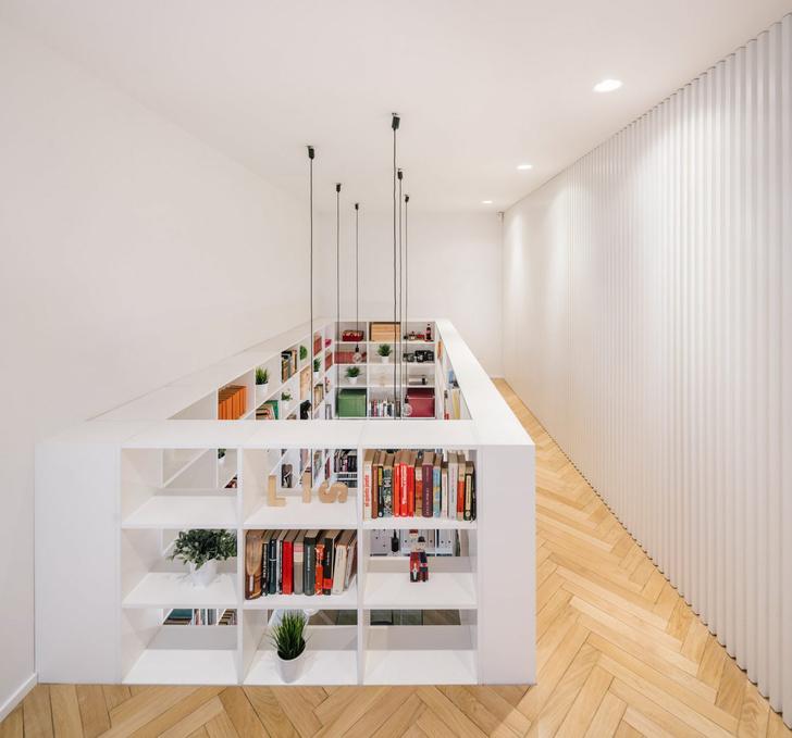 Фото №4 - Дом с двухэтажной библиотекой в Мадриде