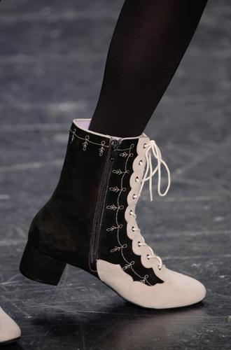 Фото №117 - Самая модная обувь сезона осень-зима 16/17, часть 1