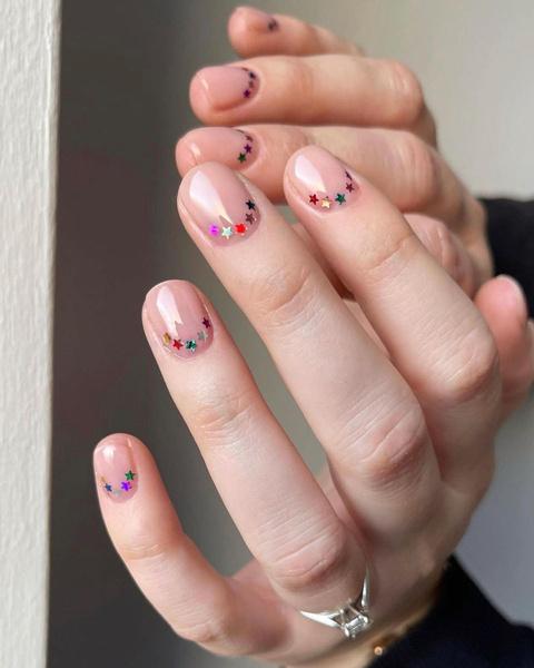 Фото №5 - Маникюр для коротких ногтей: 10 идей, которые ты захочешь повторить