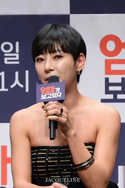 Фото №1 - 5 случаев, когда сасэн-фанаты почти похитили корейских айдолов