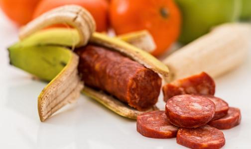 Фото №1 - В сырокопченой колбасе нашли ДНК лошади и нитраты