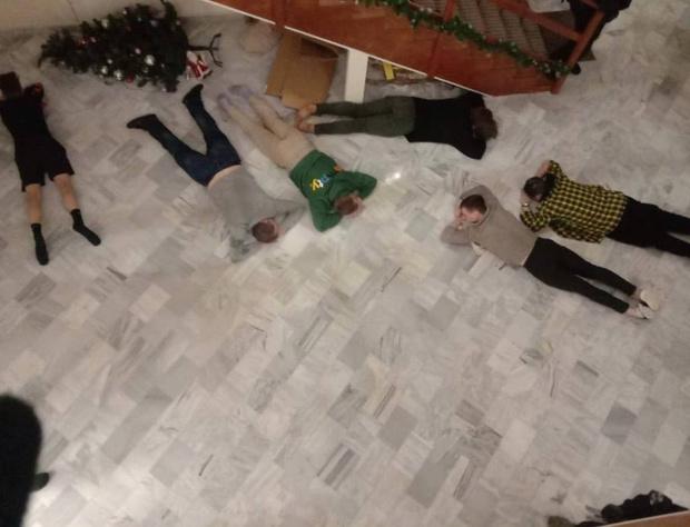 Фото №1 - Лучшие шутки про тиктокеров-оппозиционеров