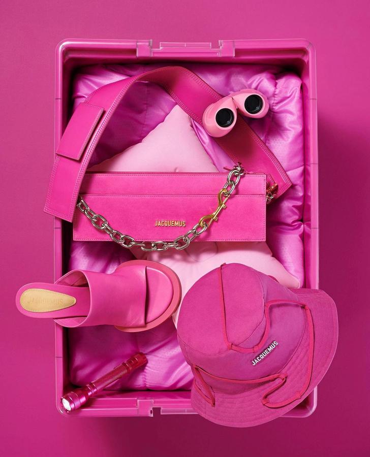Фото №1 - Жизнь в (очень-очень-очень) розовом цвете: Jacquemus показал, как будет выглядеть коллекция, которую раскупят за несколько минут