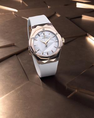 Фото №2 - Крупным планом: часы Hublot, созданные совместно с Ришаром Орлински