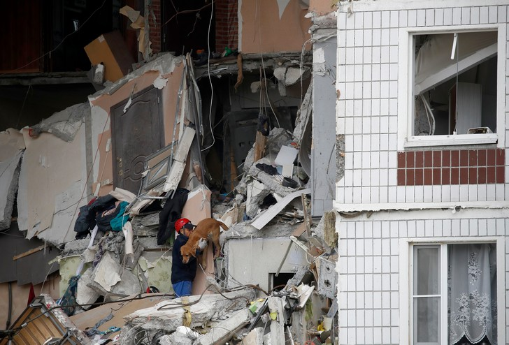 Фото №3 - «Спасатели сказали, что я молодец»: история 10-летней Анжелики Ефименко, спасшей сестру из разрушенного дома в Ногинске