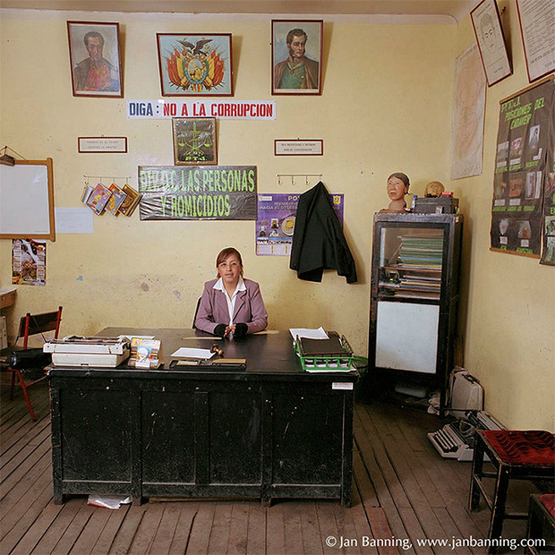 Фото №11 - Проходите, садитесь: кабинеты чиновников и служащих в разных странах