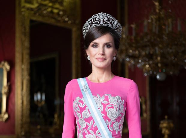 Фото №1 - Испанская роза: королева Летиция впервые за долгое время появилась в тиаре