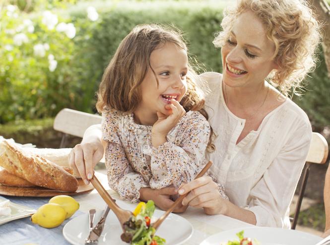 Фото №2 - 10 советов, как научить ребенка есть красиво