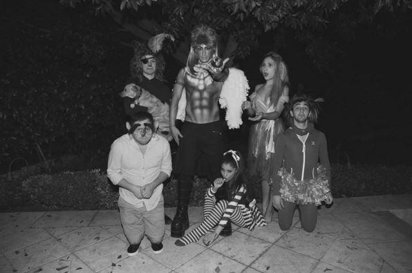 Фото №28 - Звездный Инстаграм: И снова Хэллоуин