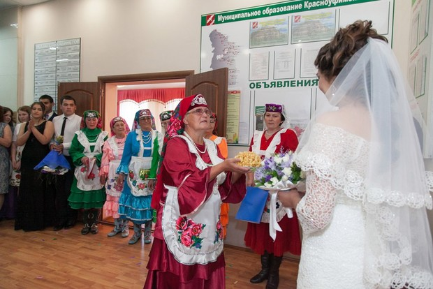Фото №6 - «Мечтала быть милиционером, а теперь рисую»: как татарка Азалия нарушила семейную традицию и путешествует по свету