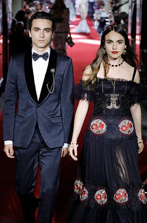 Фото №22 - Аристократки на секретном показе Dolce & Gabbana в Милане