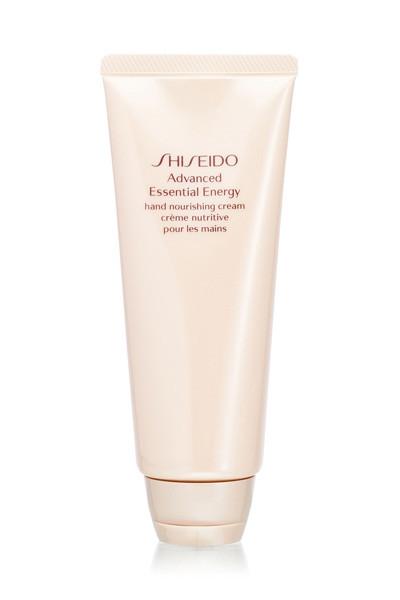 Руки часто страдают в морозы, хороший крем, как, например, Shiseido, спасет ситуацию