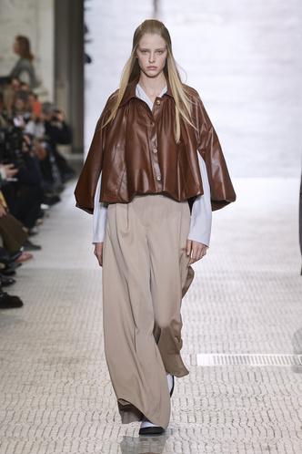 Фото №6 - Вместо джинсов: модные брюки осени и зимы 2020/21