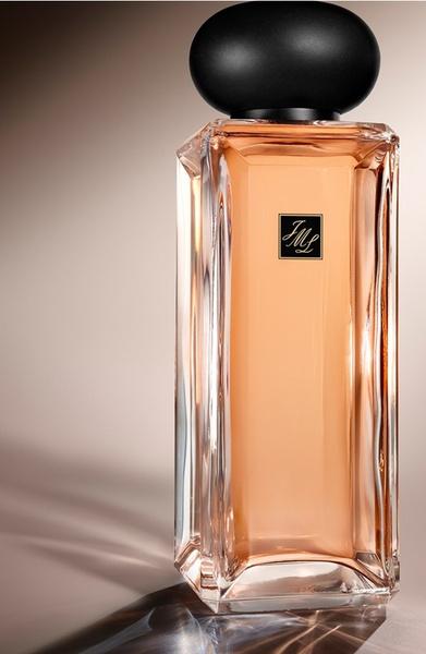 Фото №1 - Ароматный сезон: новинки весеннего парфюма для любой погоды