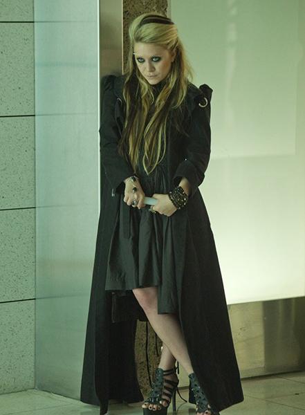 Фото №20 - Сказочная мода: 50 волшебных нарядов из фильмов нереальной красоты
