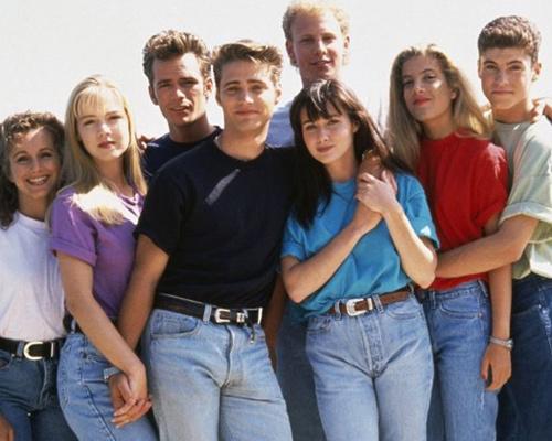 Легендарные сериалы, которые любила молодежь 90-х